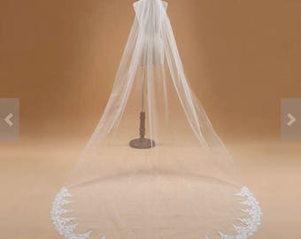 High quality beautiful long veil with lace at the edge cathedral length white