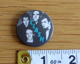 The Clash (band image) - PUNK ROCK Vintage 1970s Tin Badge/Button (Original)
