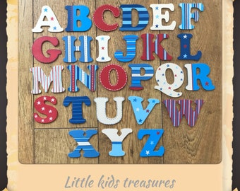 8cm Wooden letters Stars & Stripes theme. Hand painted by little kids treasures