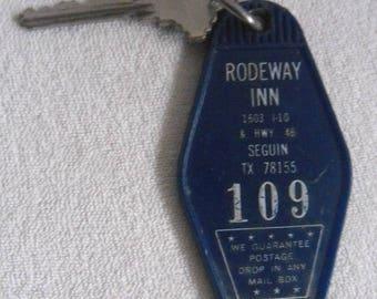 Old Hotel Key-Hampton Inn-Seguin Texas-United States-key chain-vintage hotel key