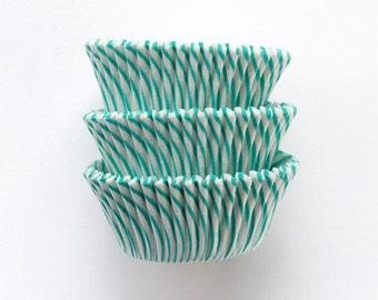 50 Turquoise Green Striped Cupcake Liners, Aqua Stripe Baking Cups, Aqua Green Striped Liners