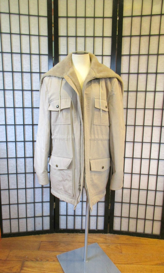 Vintage Jacket by Casualcraft 1960s 1970s Short Coat Khaki Beige Light Taupe Cloth Sherpa Pile Lining 44 46 Chest M Medium with Hood Unisex