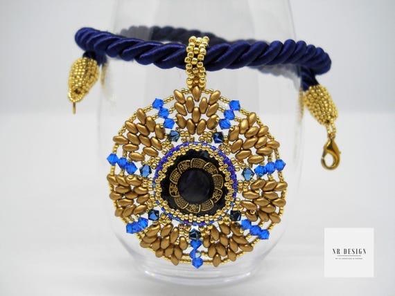 Swarovski necklace and button