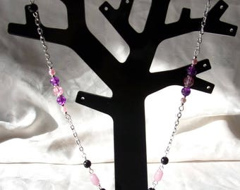 Necklace with metal chain silver, black, pink and purple beads and sequins in fuchsia Pink mother-of-Pearl 52cm