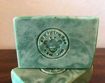 Mint Fusion - handcrafted soap bar | Peppermint Tea, Organic Spearmint and Apricot Oil | Luxurious Lovely | Botanicals | Bath and Beauty