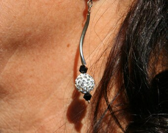 Black and white earrings with Rhinestones