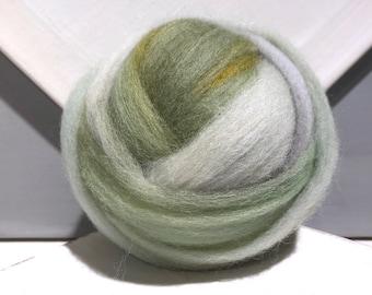 "Grey green wool roving ""White Sage"" Felting wool, Spinning Fiber, grey green wool tea, light green Olive, gold grey wool roving"
