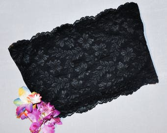 Black lace crop top/bandeau.