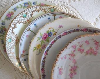 Set of 6 Mismatched Vintage Plates. China Floral Saucers Mix Match, Shabby Chic Bridal Shower. Tea Party Favors. Alice in Wonderland Decor