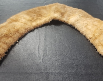 Vintage light brown fur coat collar
