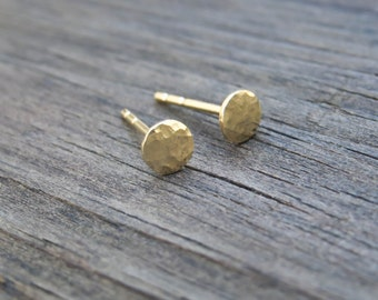 4mm Gold Stud Earrings 14k Gold filled Simple Hammered Round Post Earrings, Gold Jewelry, Dot Pebble Stud, minimal earrings