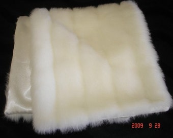 White faux mink stole Great for weddings or theatrical prodctions