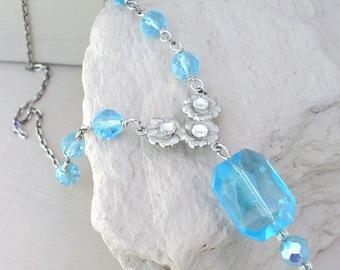 Collier pendentif Aqua Perle en verre bleu de glace Collier pendentif perles Perles en strass fait à la main