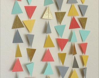 Guirlande de Triangle d'or gris jaune orange Mint. Guirlande géométrique. Papier toile de fond. Fête tribale. Shower de bébé. Guirlande d'anniversaire. Photo Prop