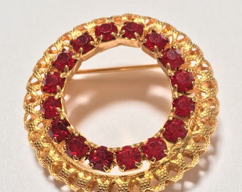 Red Rhinestone Circle Brooch Pin Pierced Design Filigree Look Gold Tone Vintage-Art Deco Circle Pin