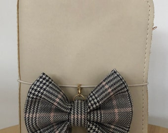 Hint of pink Tartan TN bow