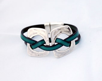 Women Leather wrap bracelet, multi strand cuff, layering bracelet,  women gift, magnetic clasp