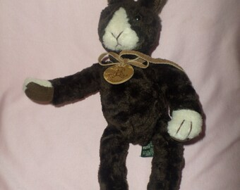 """Vintage Russ Bunny Fudge plush wearing round leather necklace Dark Brown 14""""  Rabbit long arms legs"""