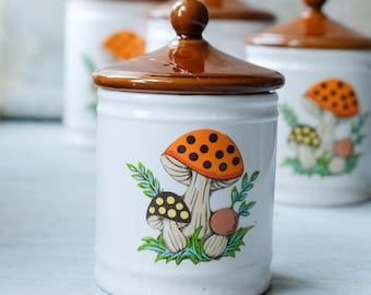 Small Tea Canister Merry Mushroom 1982, Sears and Roebuck Mushroom, Tea Jar, Retro Kitchen Decor, Kitschy Kitchen Decor, 1970s 1980s Japan