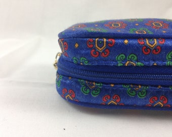 small vintage zippered pouch