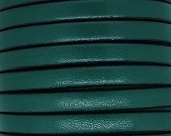 Green leather thong 5 mm, flat cedar, sold by 20 cm