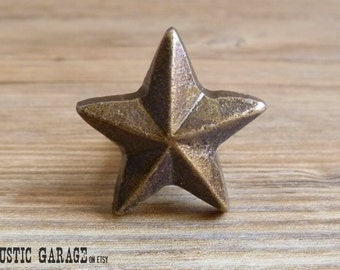 """1.5"""" Distressed Bronze Cast Iron Texas Star Knob - Antique Bronze Drawer Pull - Western Theme - Country Rustic Cabinet Decor"""