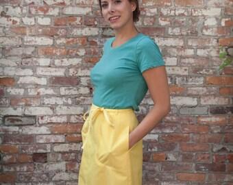 70s canary yellow Koratron NO IRON wrap skirt with pockets!