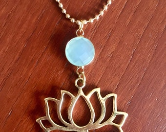 Striking Lotus Necklace