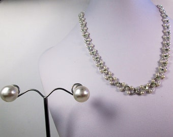 Simple Small Pearl Chainmaille Necklace Pearl Stud Earrings Pearl Statement Jewelry Set Simple Chainmail Crystal Pearl Necklace Pearl Studs