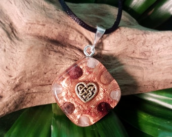 LOVE Orgone Pendant – Rose Quartz, Garnet and Rhodonite – Love, Romance, Heart Chakra Opening, Self-Love - Small