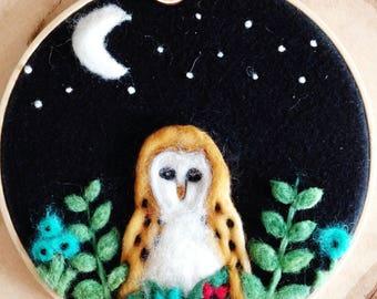 Needle Felted Owl and Flowers / Needle Felted Owl / Woodland Owl / Felted Flowers / The Felted Flowers / Woodland Decor