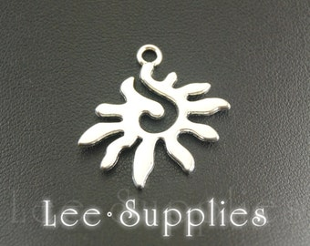 10pcs Antique Silver Alloy Sun Charms Pendant A869