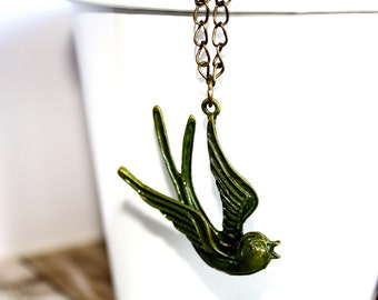 Green Handpainted Soaring Bird Vintage Necklace