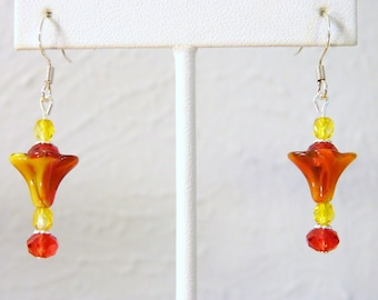 Gorgeous Red and Yellow Flower Shape Pierced Earrings! Silver Tone