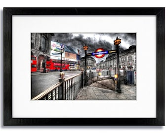 London - Piccadilly Circus Underground Station - Mounted & Framed Print