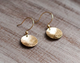 Gold filled earrings hammered disc small tiny delicate earrings bridesmaid wedding bridal gold jewelry bridesmaid gift party thank you gift