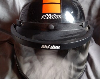 Vintage Ski Doo Official DOT snowmobile, motorcycle helmet with nice Ski Doo full face flip shield Size M. VG condition
