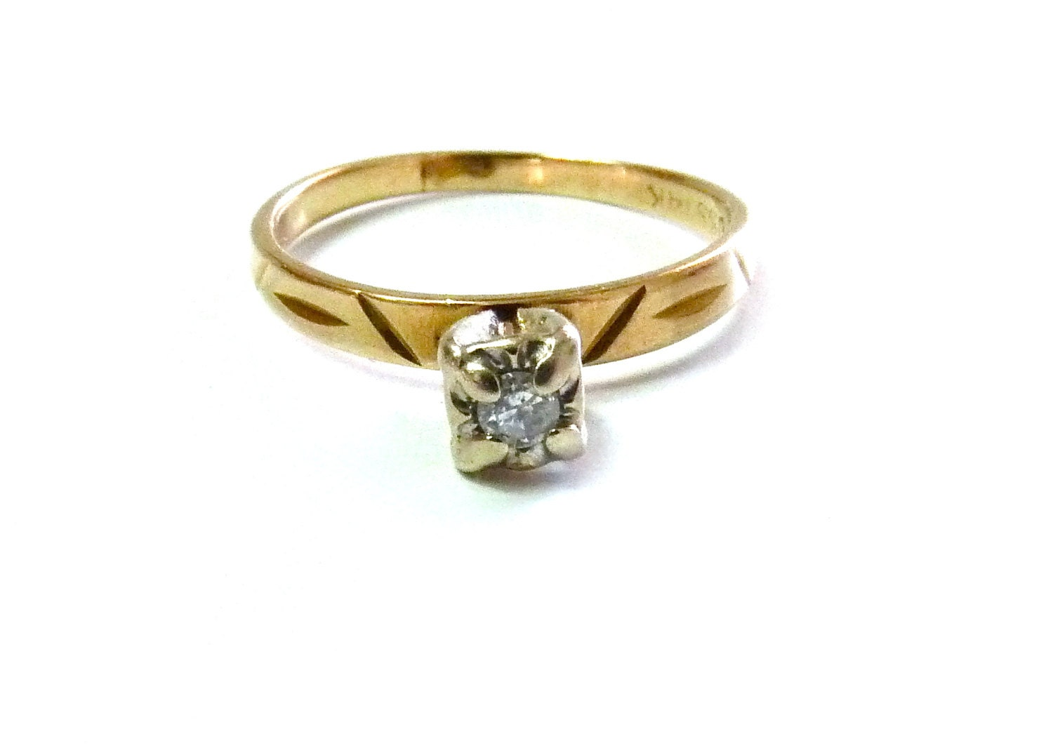 Vintage 14K Gold Solitaire Diamond Engagement Ring Wedding
