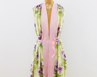 Vintage 1930s Boudoir Silk Robe/Ruched Shoulders/Vintage Floral Pongee Robe/Vintage Lounge Wear/Pastel Pink