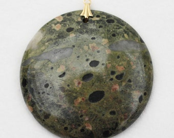 "Green Plumite 1-7/8"" Round Pendant with Gold Bail"