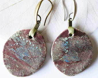 Earrings * Les P'tites frescoes *, Plum, green lime and blue enamel and lace, pieceunique.
