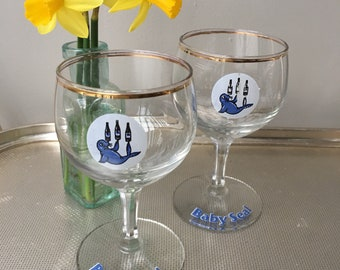 Pair of retro wine glasses -  1960s Baby Seal wine glass - vintage barware - vintage wine glasses