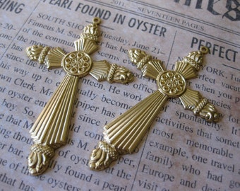 1 PC Flaming Gothic Victorian Cross Pendant Finding - Raw Brass E0109