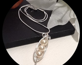 Sterling Silver Pea Pod Necklace