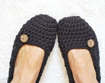 Non Slip Coating,Extra thick Simply Crochet Slippers in Black with Natural Coconut Shell Button, Adult Crochet Slippers,Adult Slippers