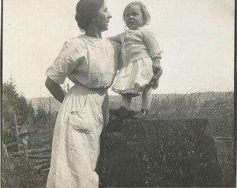 Vintage photo 1914 Mother & Child Sharing Secrets on Tree Stumps Square Snapshot