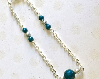 Minimalist bracelet, dark blue and grey, dainty bead bracelet with silver plated chain. Simple bracelet with glass pearls. Friendship gift.