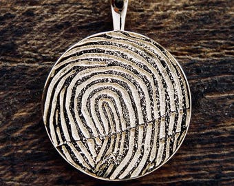 Round Shaped Finger Print Pendant in 14K Yellow Gold with Custom Name Engraving with Chain