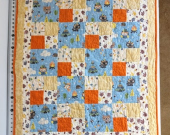 Baby Quilt, Baby Woodland Animals with Bubble Minky Back