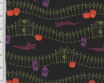 Haunted Hill - Per Yd - Clothworks - Halloween Blender